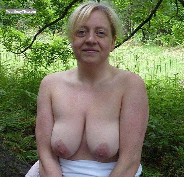 Tit Flash: Medium Tits By IPhone - Topless Hxx from United Kingdom